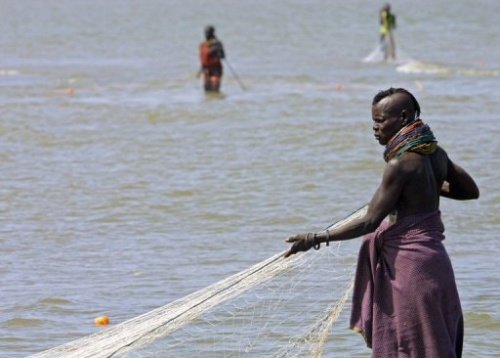 Kenia, Frauen am Turkana See, (c)AFP 2006